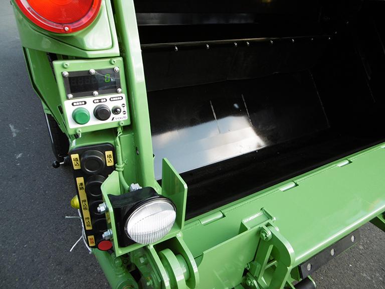 リサイクル可能品・古紙を分別収集できる新型特殊車両